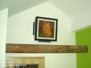 Vnitřní klimatizační jednotka ve stylovém provedení s obrazem Gustava Klimta